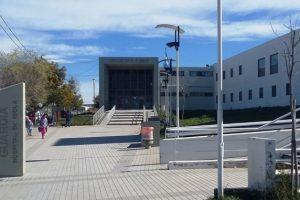 Fotografía - Entrada Hospital Dr. Isola
